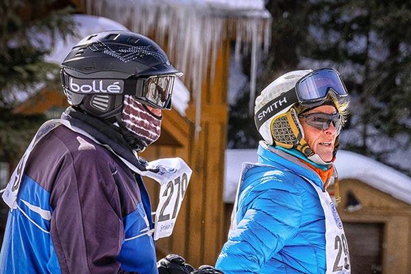 carousel-skiers
